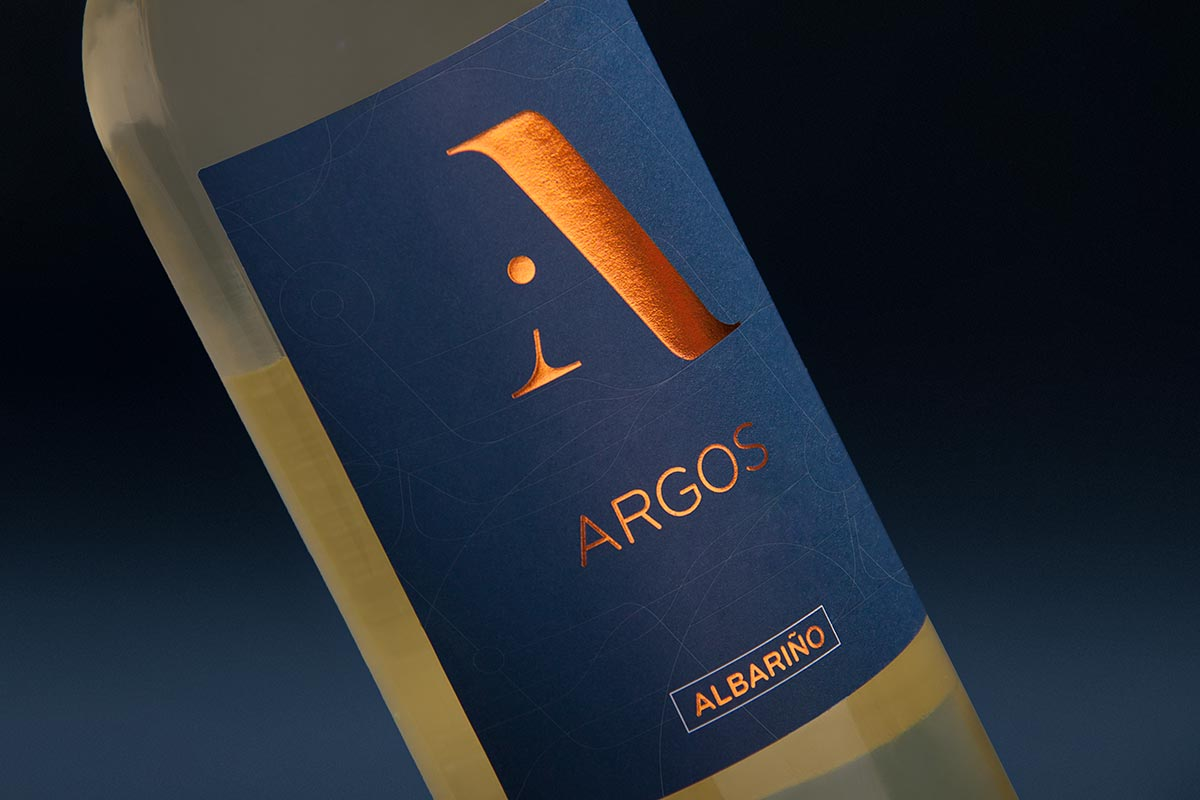 Detail of the design of wine labels for Argos. Tea for two - package design.