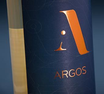 Mobile version of the design of wine label for Argos by Maior de Mendoza. Tea for two - package design.